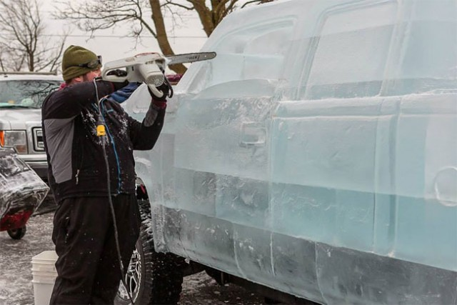 Driveable-Truck-made-of-Ice4-640x427