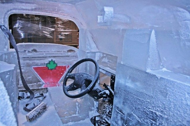 Driveable-Truck-made-of-Ice8-640x426
