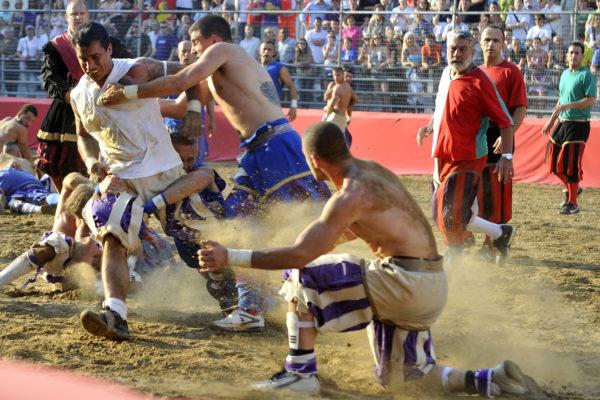 Calcio Storico - połączenie piłki nożnej i rugby