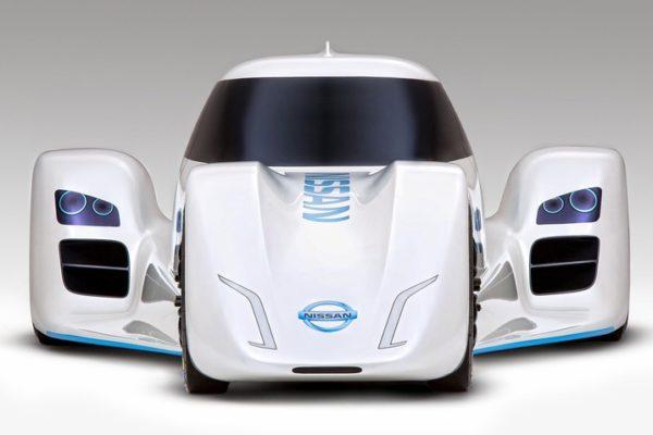 Nissan ZEOD RD i silnik 40 kg