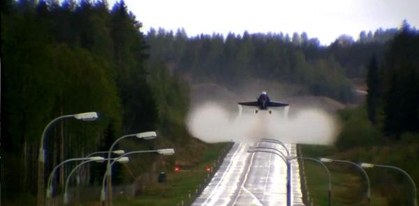 take-off-road-f-18-hornet