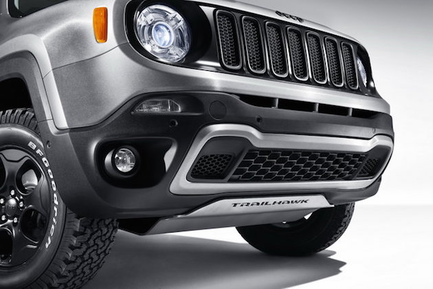Jeep Renegade Hard Steel concept with Uconnect live infotainment system feel desain 1