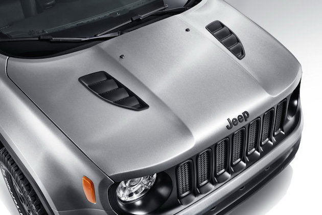 Jeep Renegade Hard Steel concept with Uconnect live infotainment system feel desain 3