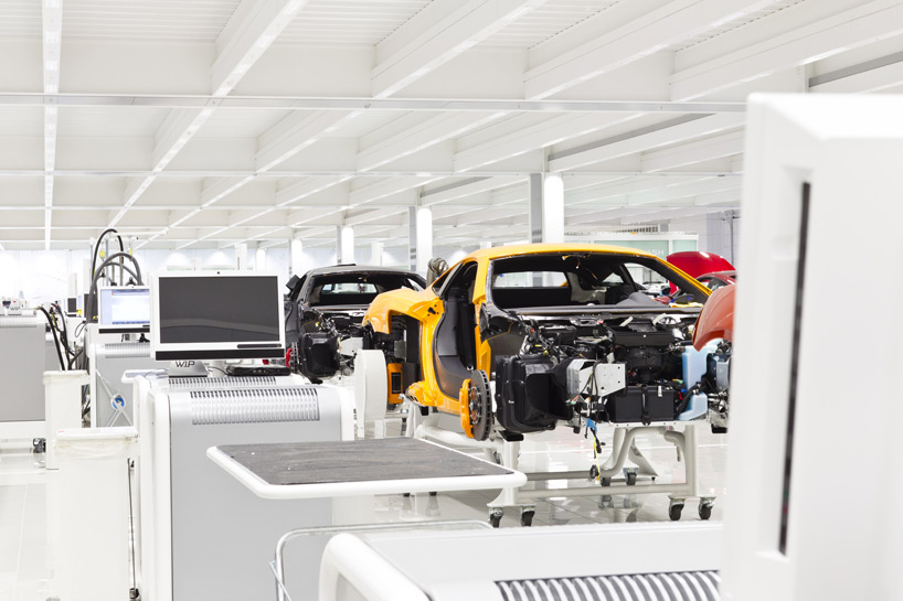 mclaren-production-center-8