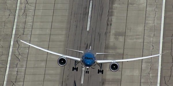 new boeing 787 9 dreamliner taking off vertically is amazing
