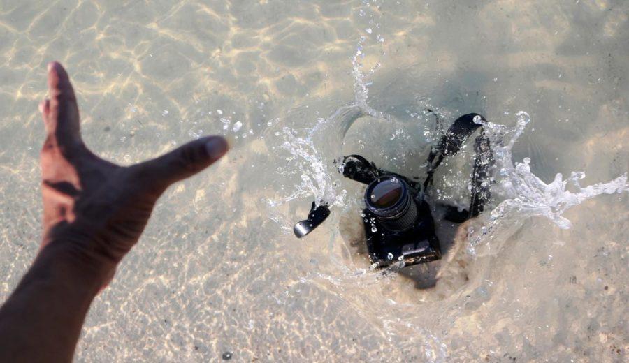 aparat wpadł do wody