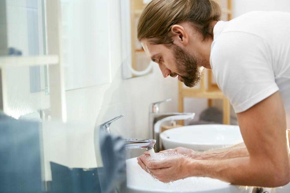 Jak dbać o brodę i wąsy